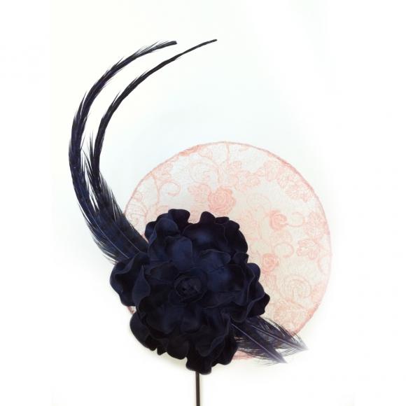 http://janetandschulz.com/186-293-thickbox/plato-de-encaje-rosa-nude-y-flor-azul-.jpg