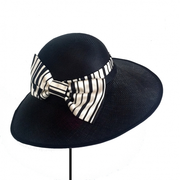 http://janetandschulz.com/287-418-thickbox/pamela-con-lazo-de-rayas-blanco-y-negro.jpg