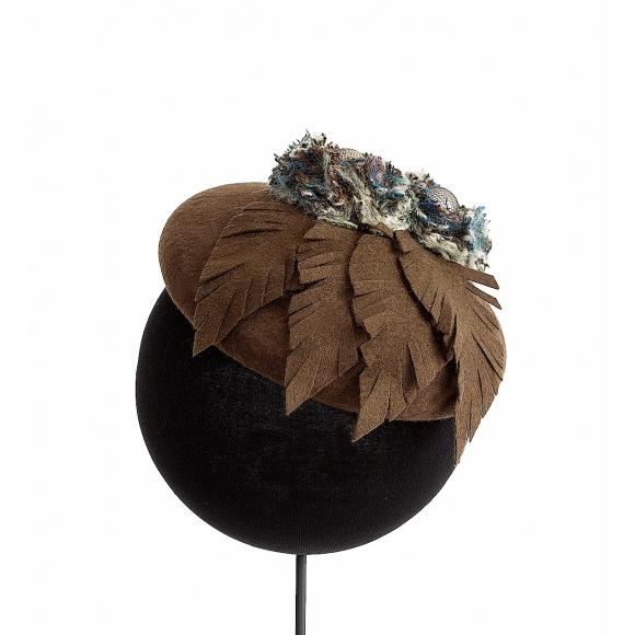 https://janetandschulz.com/178-295-thickbox/boina-marron-flores-y-hojas.jpg