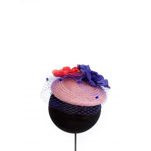https://janetandschulz.com/187-272-thickbox/casquete-de-sisal-nude-con-flores-morada-y-coral.jpg