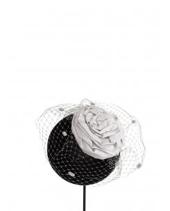 flor de seda con redecilla